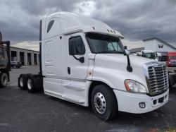 Pre-Owned 2013 Freightliner Cascadia