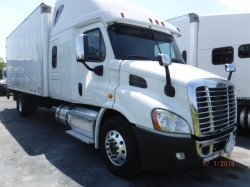 Pre-Owned 2015 Freightliner CA113