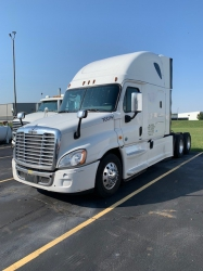Pre-Owned 2016 Freightliner Cascadia