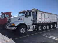 Pre-Owned 2005 Sterling 9500